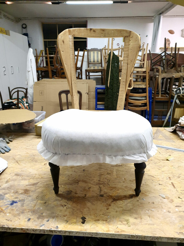 Ri-design sedia in legno con imbottitura