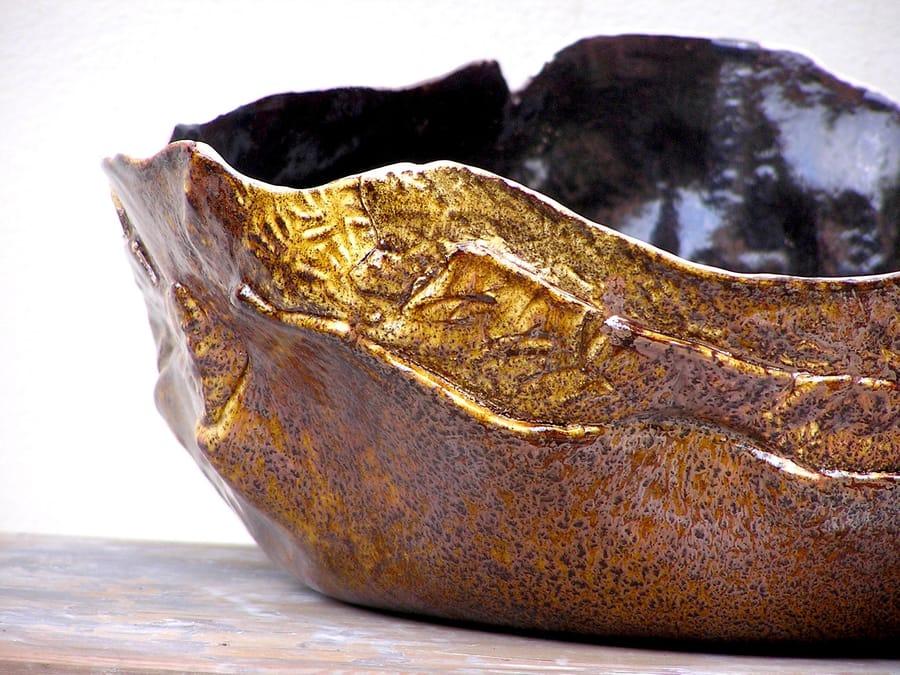Grande ciotola in ceramica da colore oro