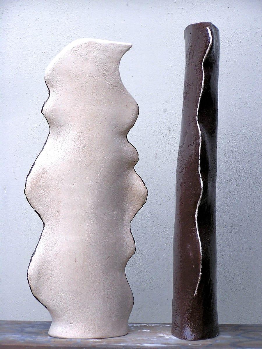 Esposizione di due basi di lampade in ceramica handmade