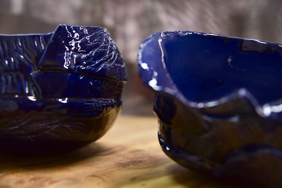 Coppia di piccole ciotole in ceramica blu
