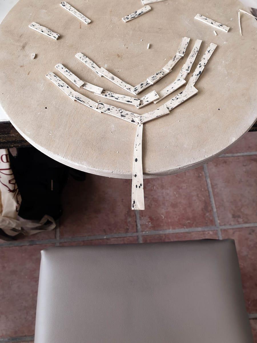 Realizzazione collana in ceramica bianca