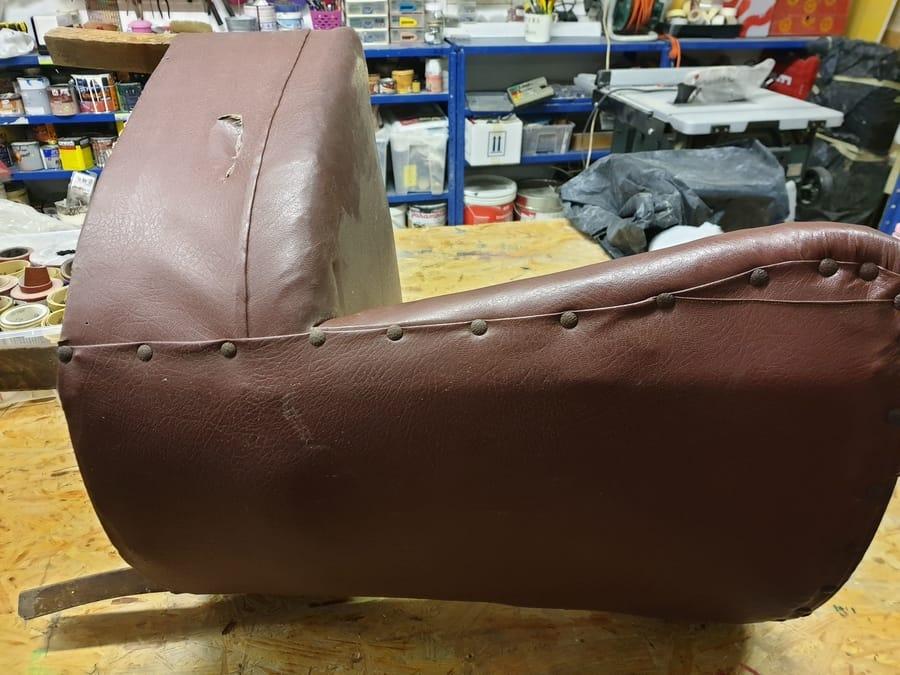Ri-design sedia in legno e similpelle